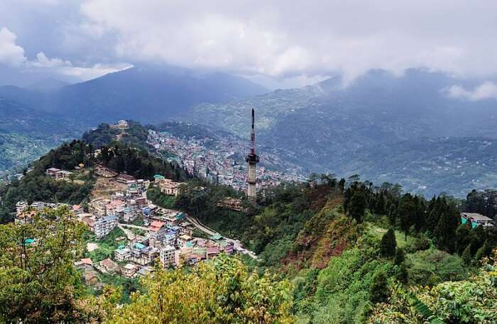 Best Time For Paragliding In Gangtok