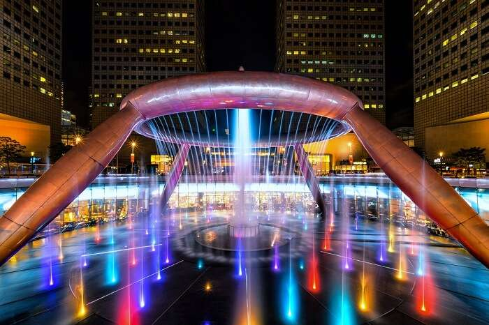lighiting around the fountain of wealth