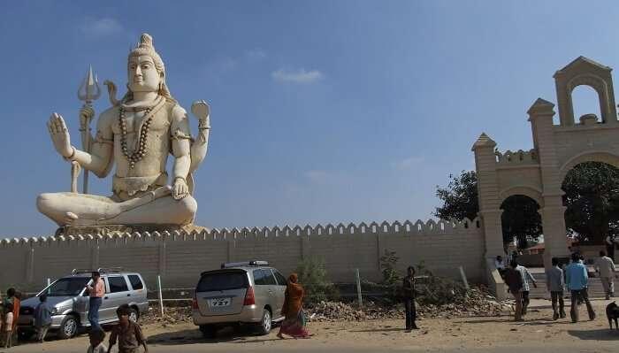 Temples in Saputara