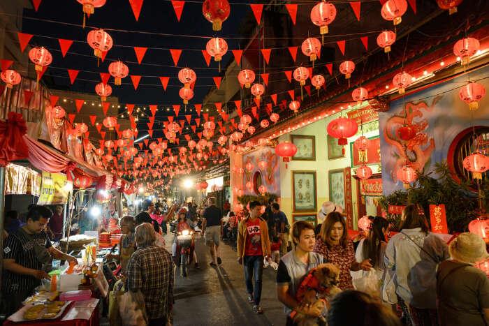 Shopping In Chiang Mai cover