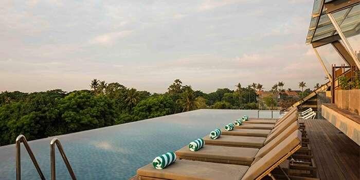 outdoor pool in artotel