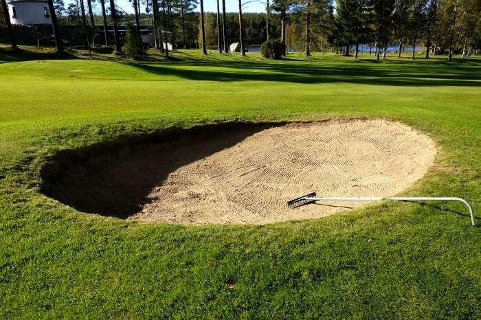 Sand bunker golf
