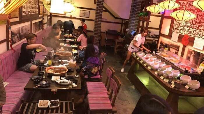 buffet in chinese restaurant