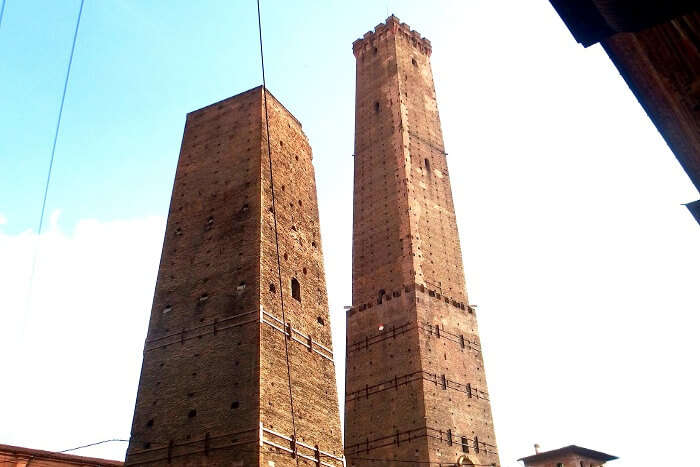 leaning-towers-of-bologna