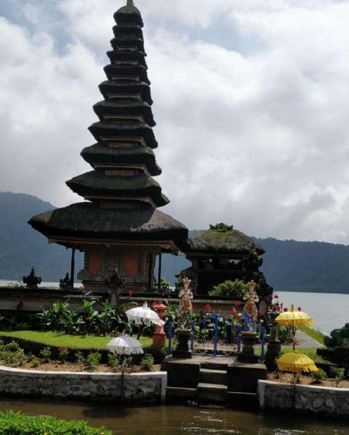 bali uluwatu temple