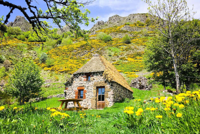 Thatched Cottage In The Hills