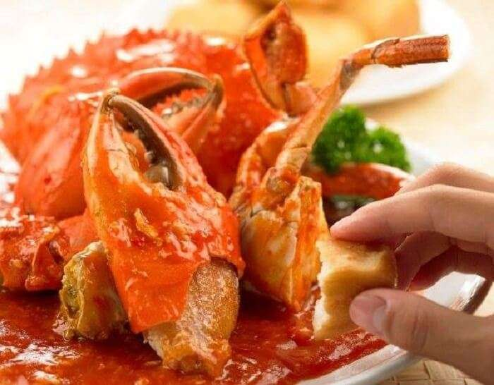crab in cafe
