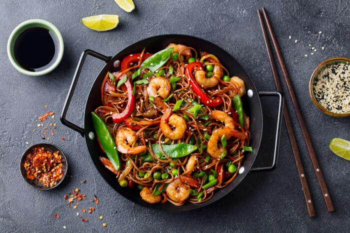 Stir fry noodles with vegetables and shrimp