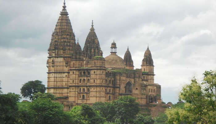 About Chaturbhuj Temple