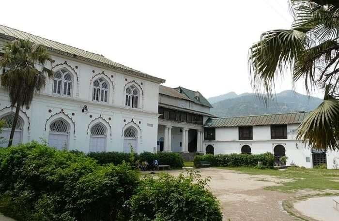 Akhand Chandi Palace