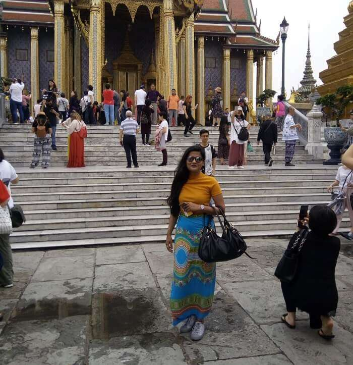 exploring the temples on city tour