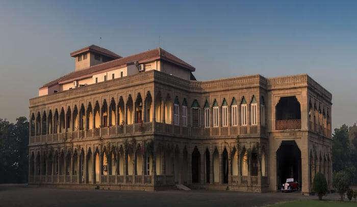 Nilambagh Palace In Bhavnagar