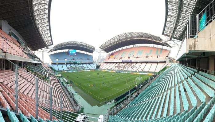 Suwon_World_Cup_Stadium