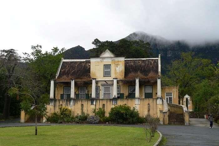 Tokai Manor House