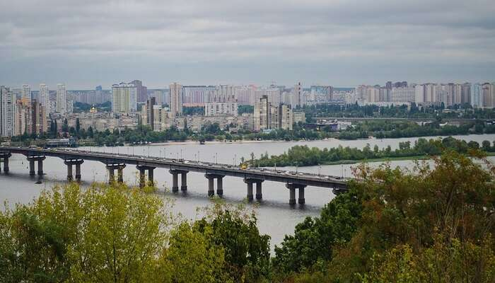 Visit_The_Truhanov_Island_Bridge
