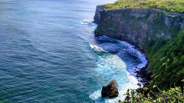 bali indonesia cliff