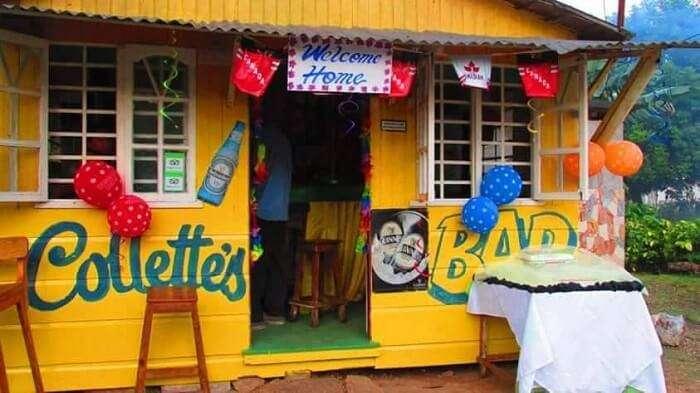 Collette's Bar