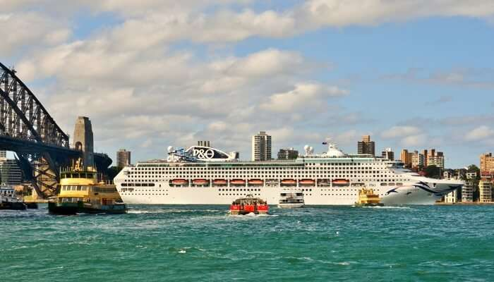 Fiji Explorer Cruise