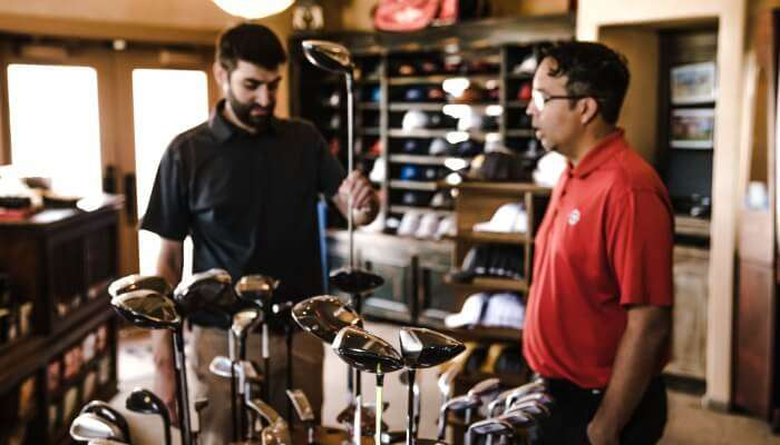 Golf Equipment Shopping At Thaniya Plaza