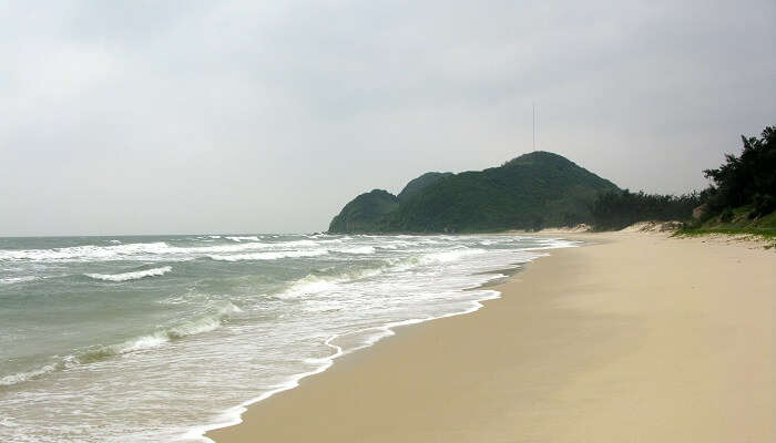 Làng Vân Beach in Vietnam