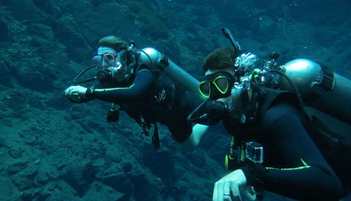 Diving Beautiful Blue Lagoon