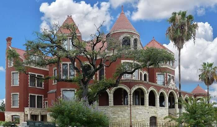 6 Best Castles In Houston For Your Next Thrilling Holiday