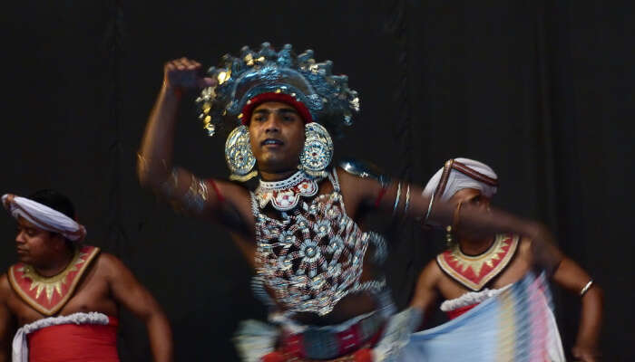 Nikini Poya