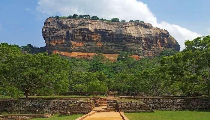 Sigiriya_Rock_