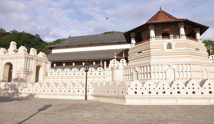Temple of the Tooth Relic: Seek Blessing of the Divine Power