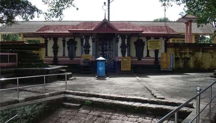 Thirunavaya Navamukunda Temple View