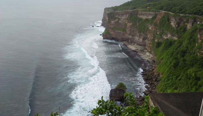 Uluwatu_Beach_-_
