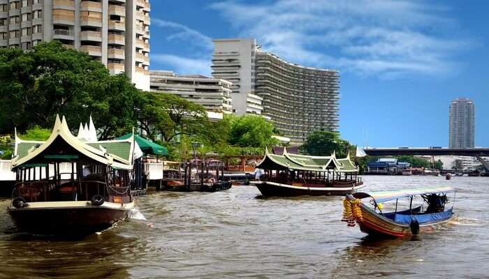 Wan_Fah_Chao_Phraya_Riverboat_Cruise