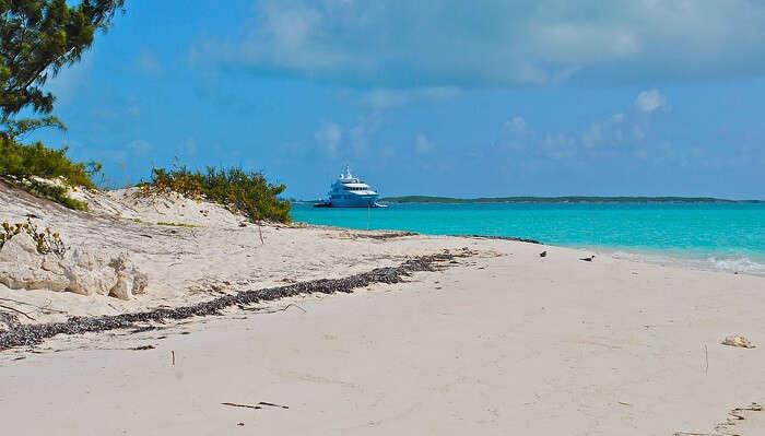 Bahamas Boating Yachting Yacht Megayacht Exumas