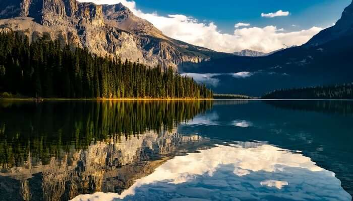 Lake Scenic Landscape Mountains Reflections Canada