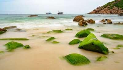 Beautiful Island hopping in Vietnam
