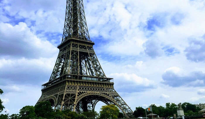 Witnessing the Eiffel tower