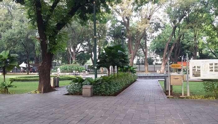 Secret Garden 1 Utama