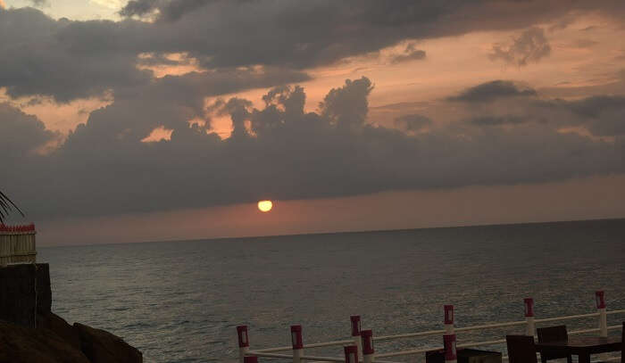 Sunset - White Villa Resort