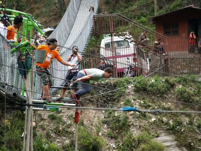Operator of bungee jumping