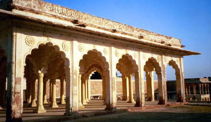 Akbari Mahal