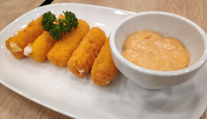 Cheese rolls at Central Phuket (Mall)