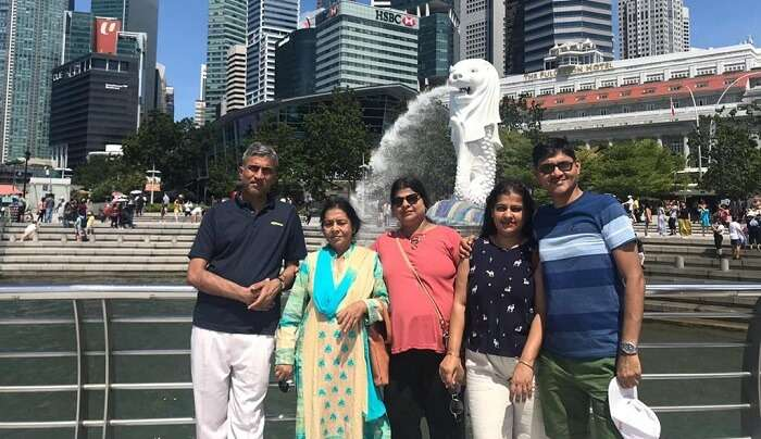 At Merlion Statue with family