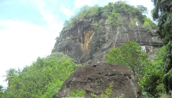 Mulkirigala rock temple