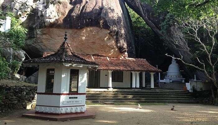 Pilikutthuwa_temple