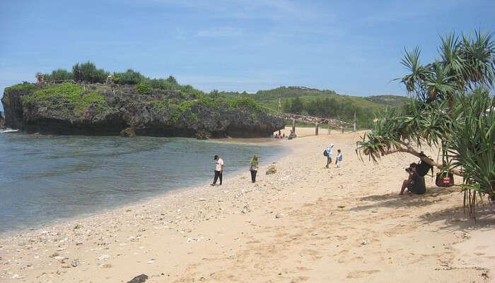 Srakung Beach