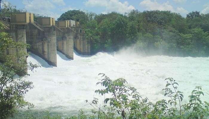 Uduwalawe Dam