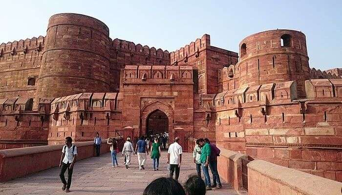 Famous Fort in Agra