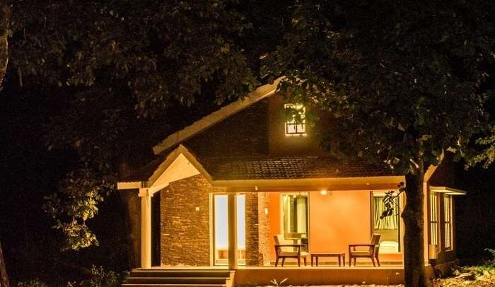 homestays nightview