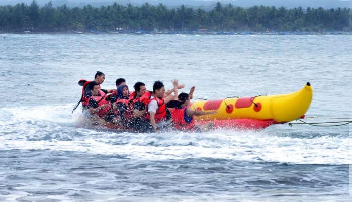 Banana Boat Ride Race
