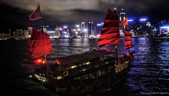Evening Sail In The Aqualuna